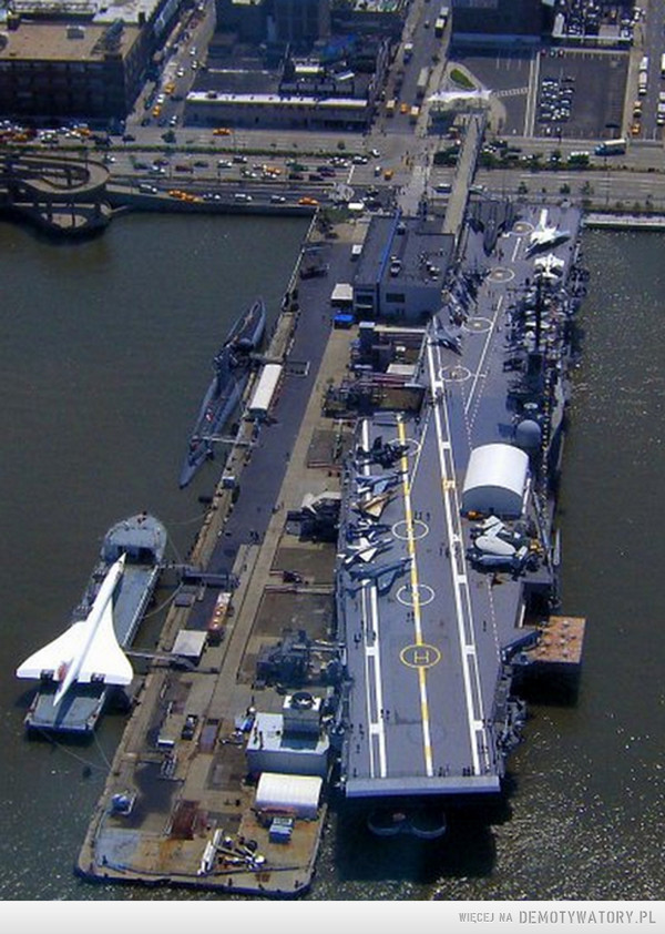 NYC, ManhattanUSS Growler , Concorde , USS Intrepid –