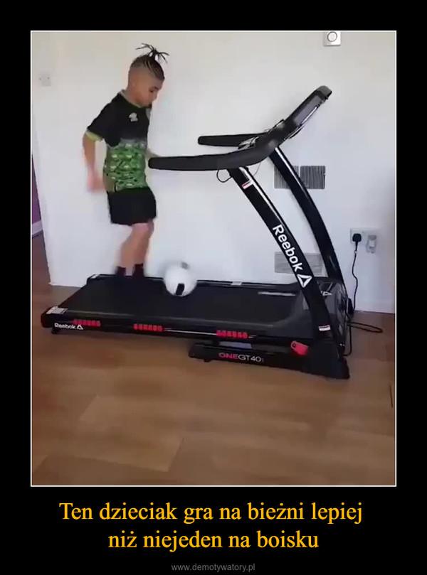 Ten dzieciak gra na bieżni lepiej niż niejeden na boisku –